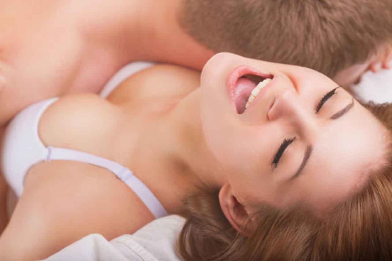 Как достичь оргазма в постели